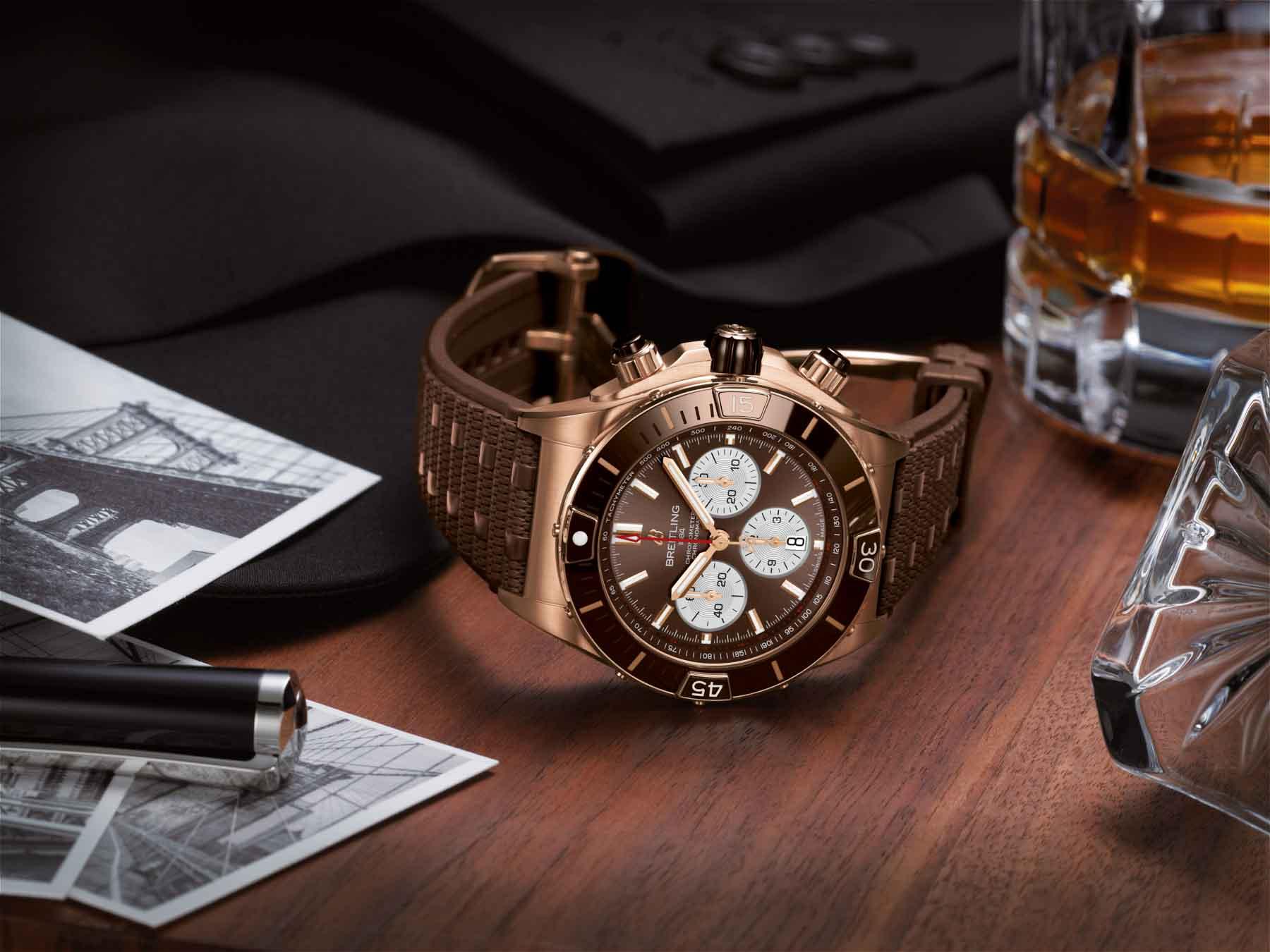 06 Breitling Super Chronomat B01 44 in 18 k red gold Ref. RB0136E31Q1S1 print use 1