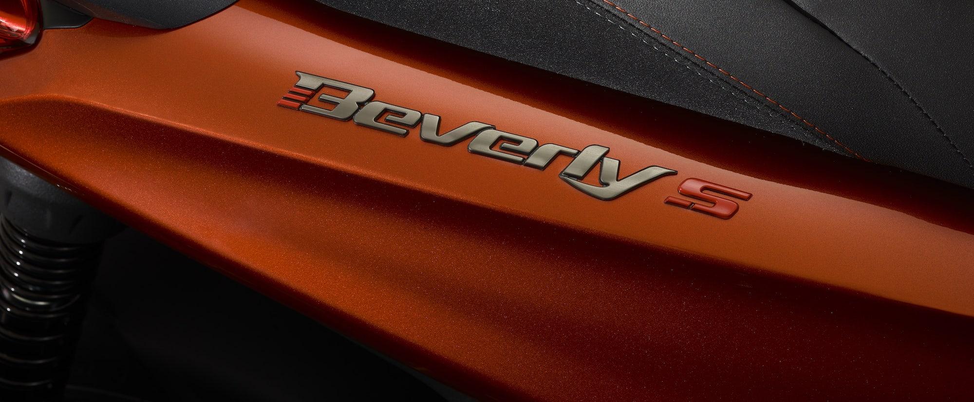 07 Piaggio Beverly 400 hpe S min
