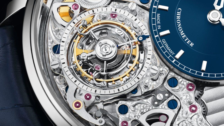111 58 05 01 03 30 SE Chronometer Tourbillon Detail 3