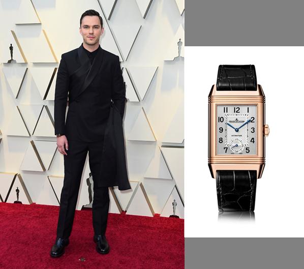 "Nicolas Hoult, glumac iz filma ""The Favourite"" nosio je zlatni Jaeger LeCoultre Reverso Classic Duoface Large model."