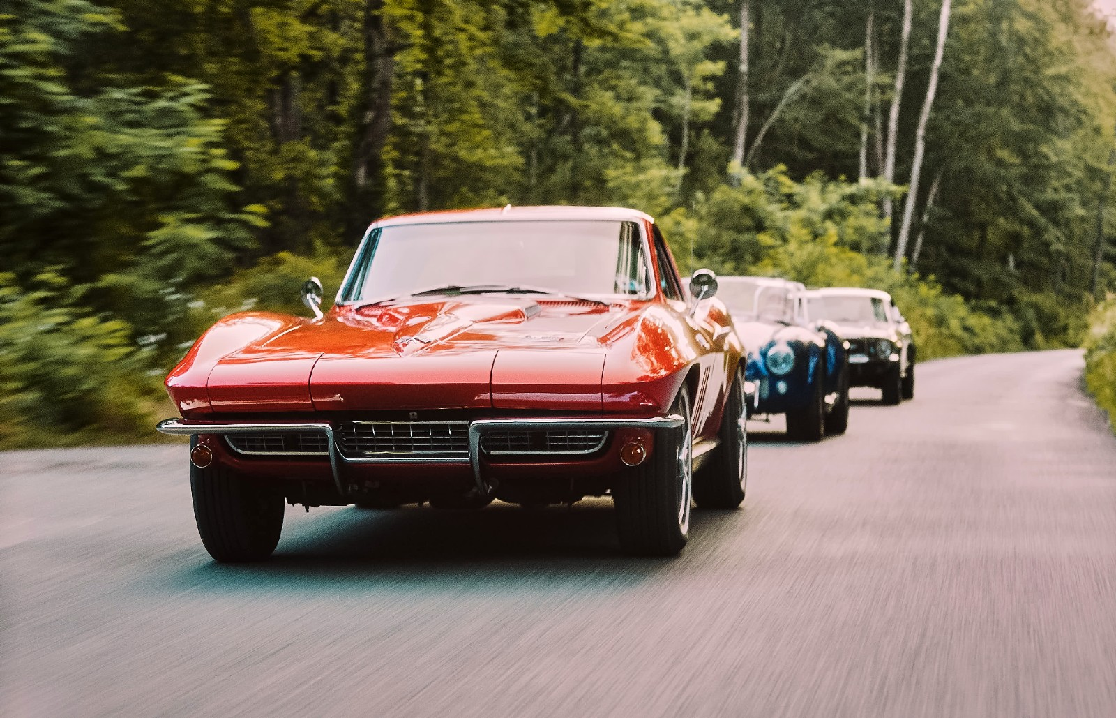34 three icons of the american car culture chevrolet corvette shelby cobra ford mustang from front to back rgb