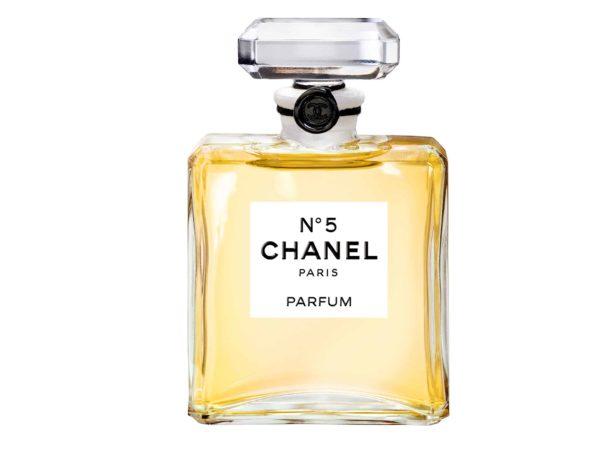 Ikona u svijetu parfema, Chanel No.5 bočica u obliku osmerokuta