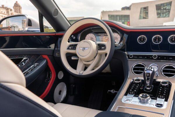 Continental GT Mulliner Convertible 6 min