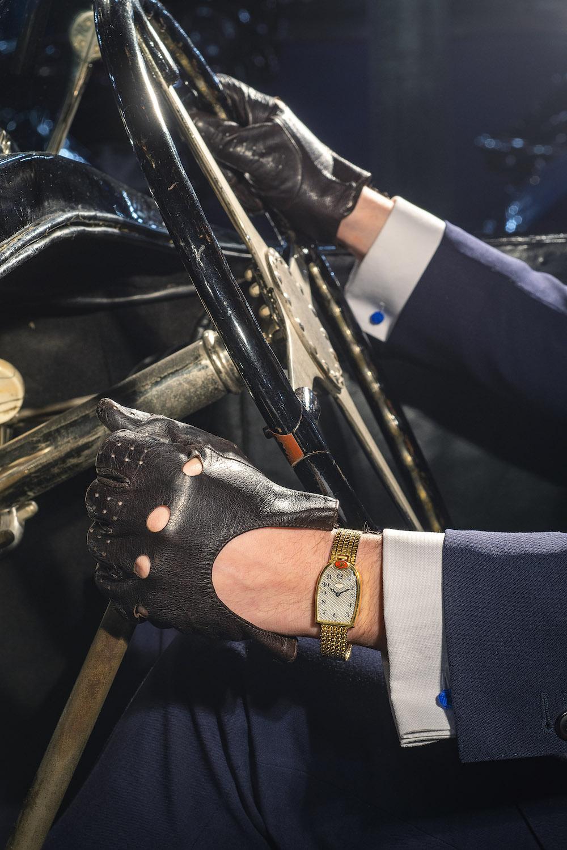 Mido Bugatti Photographie levier de vitesse 2 Vintage Watch Story vws fr Cite de lAutomobile Collection Schlumpf