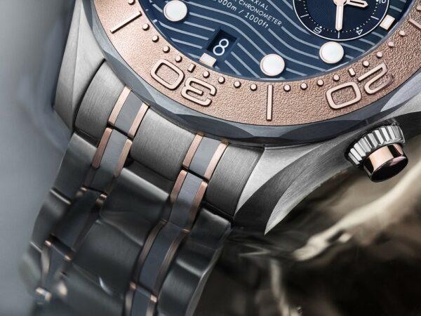 Omega Seamaster Diver 300M Chronograph Gold Titanium Tantalum 3 min