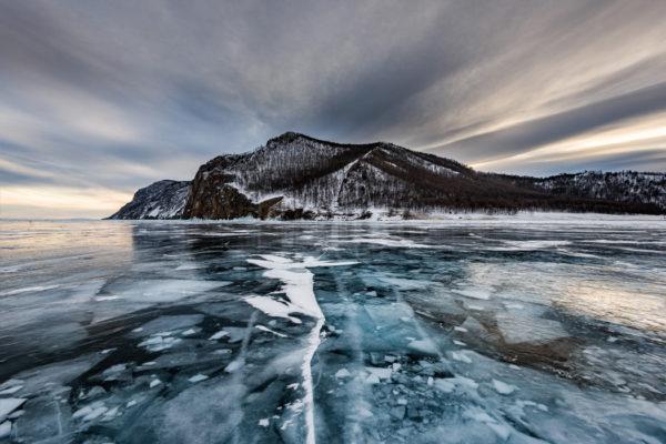 Zaleđena površina Bajkalskog jezera