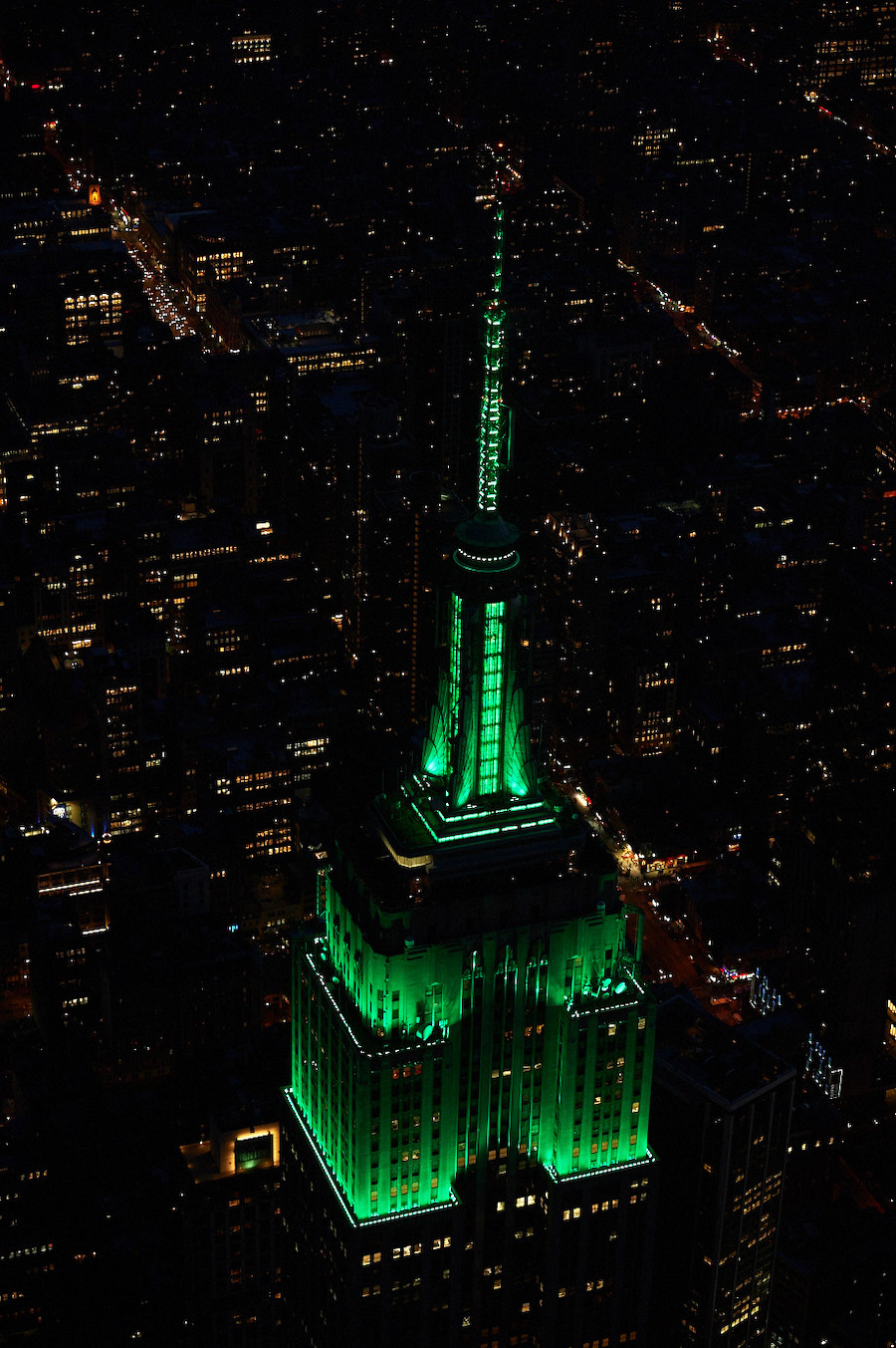 The Empire State Building image is a registered trademark of ESRT Empire State Building L.L.C. and is used with permission.