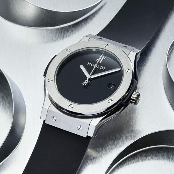 hublot 40th anniversary classic fusion xl titanium