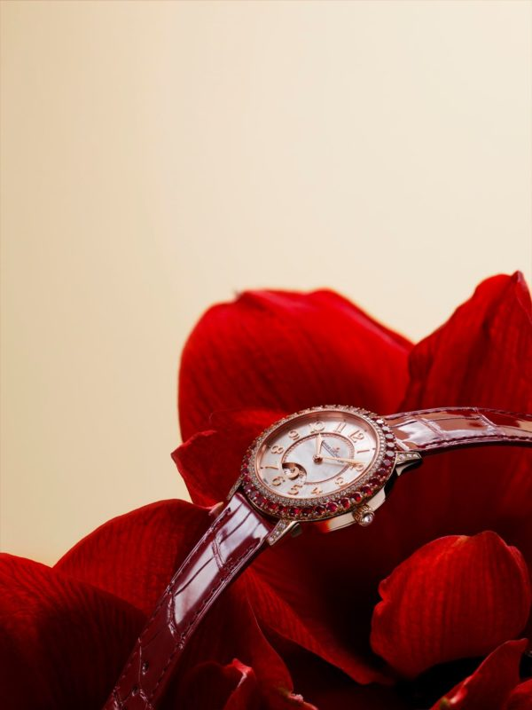 Jaeger-LeCoultre presents the new Dazzling Rendez-Vous Red