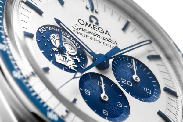 omega Speedmaster Silver Snoopy Award 50th Anniversary 310 32 42 50 02 001
